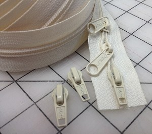 Ivory  #5 Zipper - 200 yard roll - sale