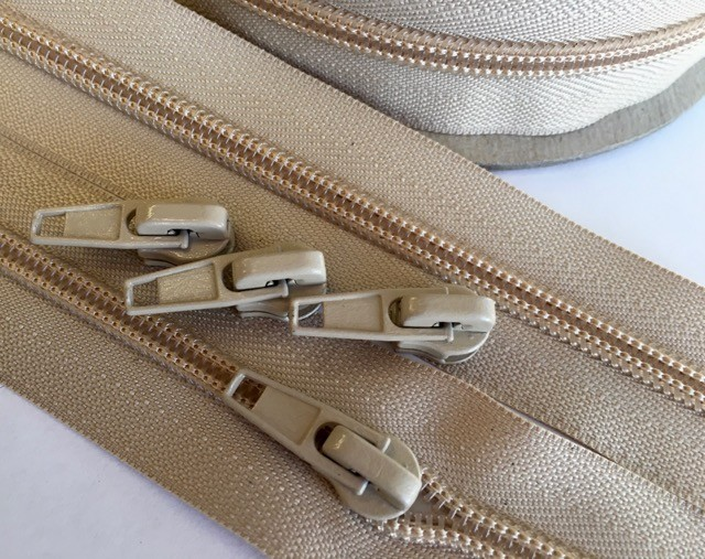 GOLDEN BEIGE  #5 Zipper - 25 yds. + 40 Pulls