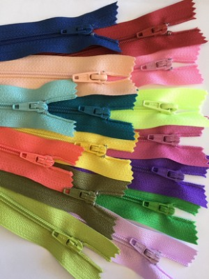 "20"" Multi Color Finished Zips - 25pcs"