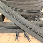 MEDIUM GRAY #5 Zipper - 200 yard roll