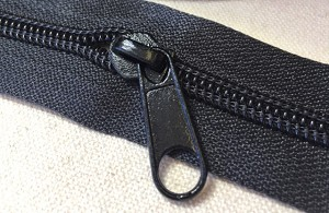 Black Long Pull for #7 Coil Zipper